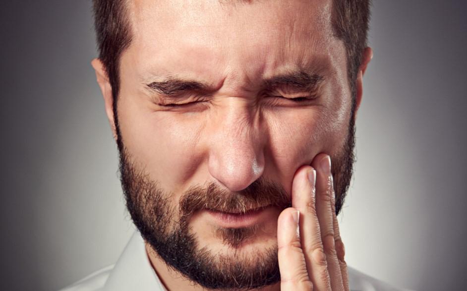 Mentiras  y verdades sobre los implantes dentales y las cirugías de regeneración ósea
