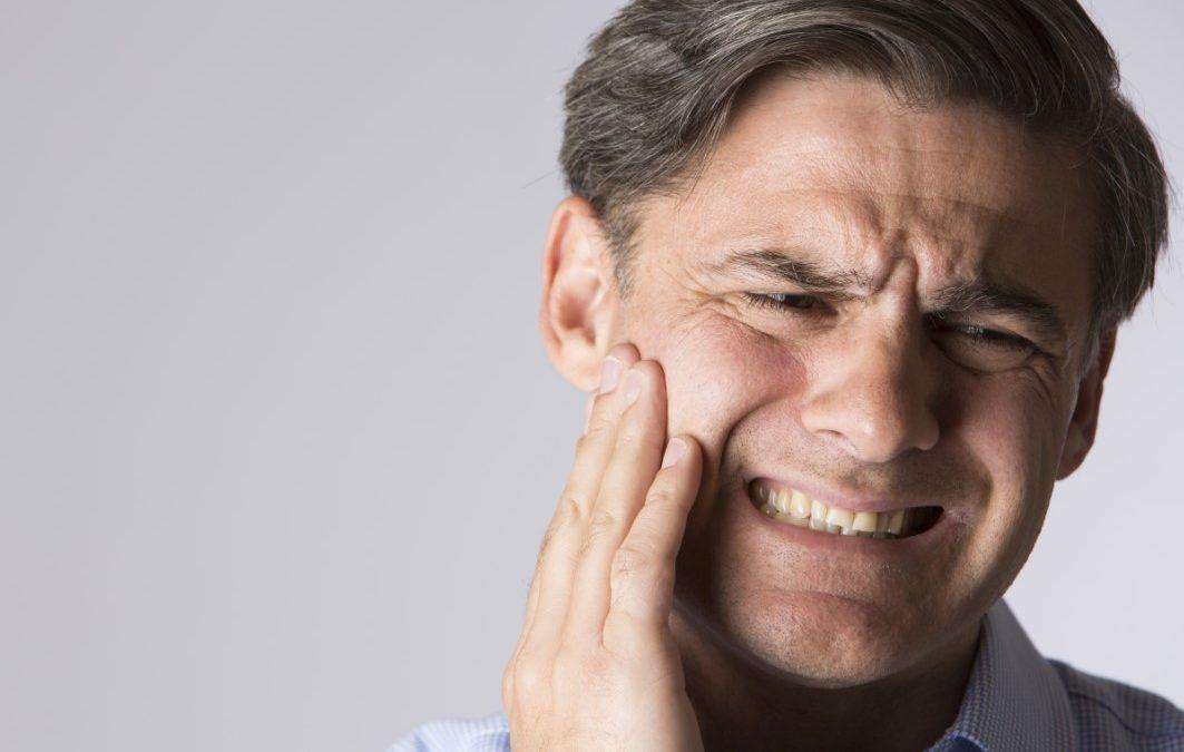 Doctor… ¿Qué me está haciendo en la boca? En busca de un dentista de confianza – 1ª PARTE